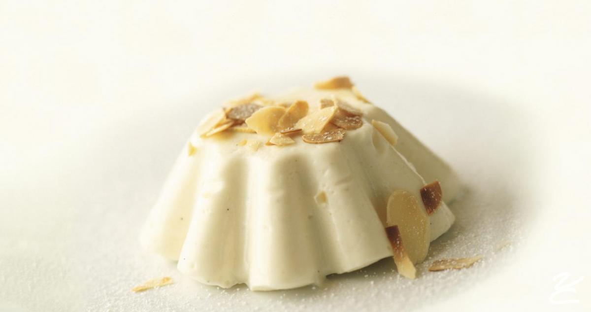 La Tradizione Siciliana del Bianco Mangiare